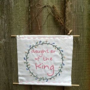 daughter of the king _ hanging frame hand embroidery_ Chasing Lilac Hand Embroidery